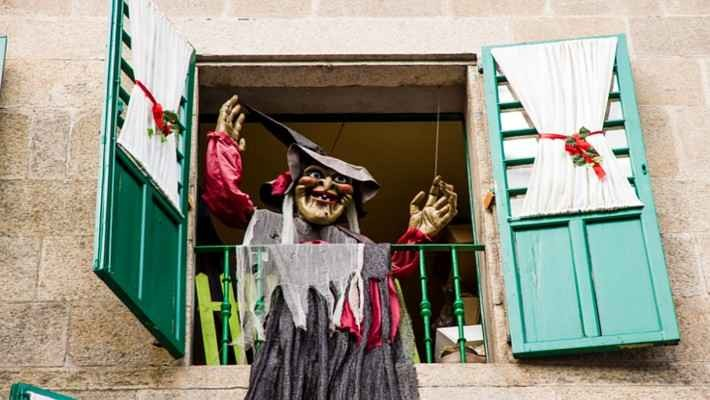 free-tour-meigas-y-leyendas-de-santiago-de-compostela-4