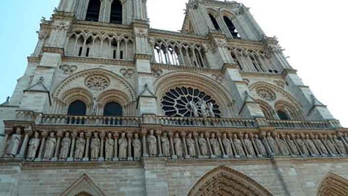 resurgence-of-notre-dame-guided-tour-2