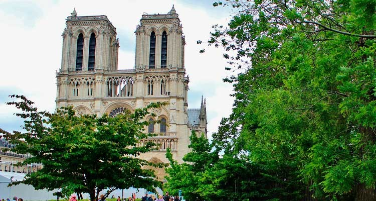 resurgence-of-notre-dame-guided-tour-3