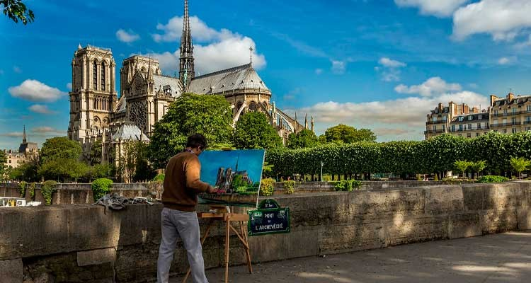 resurgence-of-notre-dame-guided-tour-4