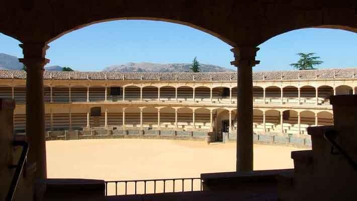 visita-guiada-por-la-plaza-de-toros-de-ronda-1