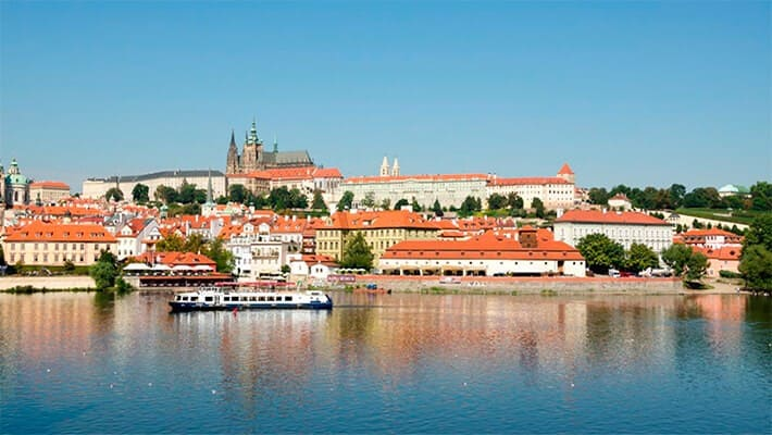 prague-free-walking-tour-2
