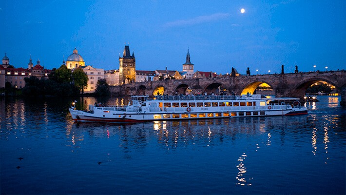 prague-sightseeing-cruise-tickets-5