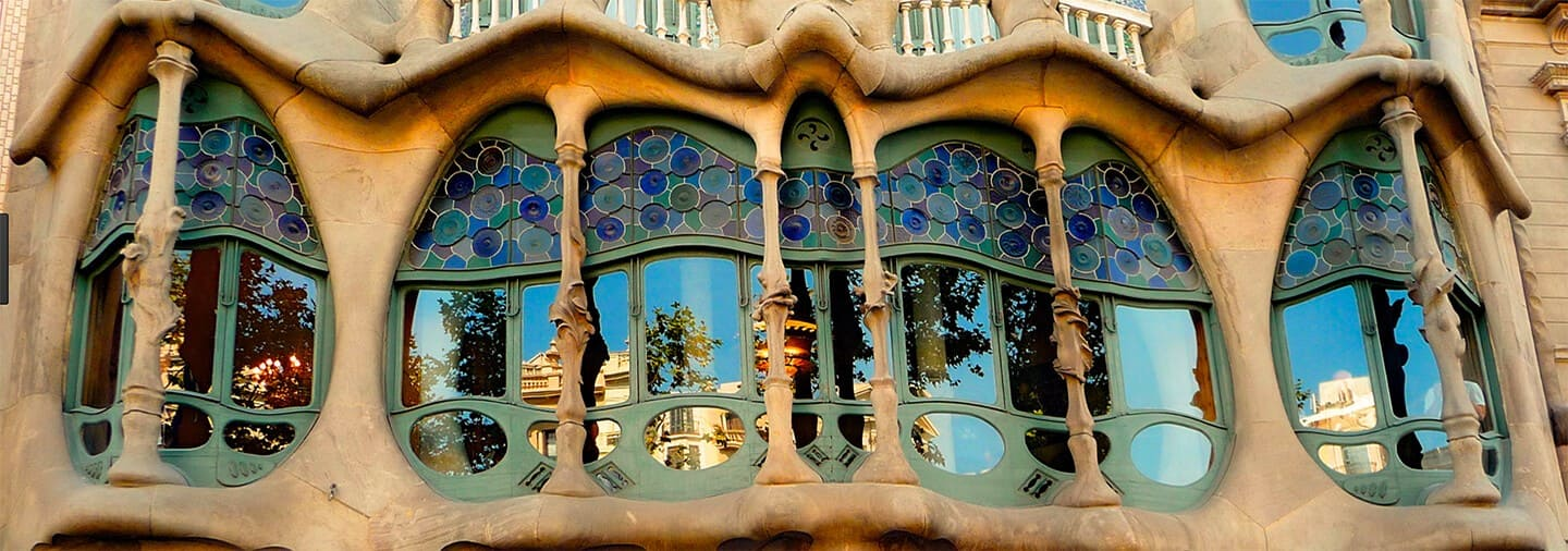 Barcelona Gaudi and Modernism Free Walking Tour