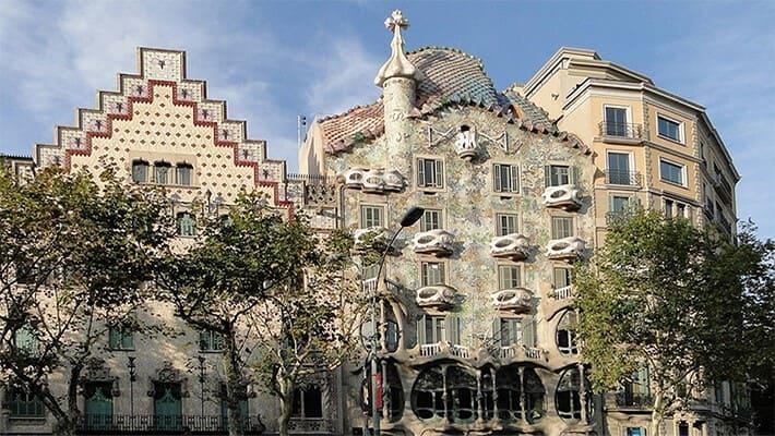 free-tour-por-la-barcelona-modernista-de-gaudi-2