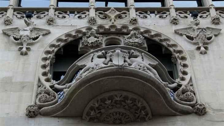 barcelona-gaudi-and-modernism-free-walking-tour-5