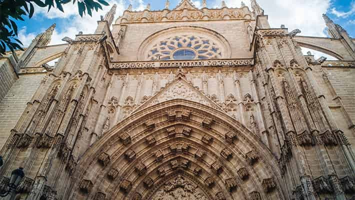 cathedral-of-seville-tour-with-tickets-1