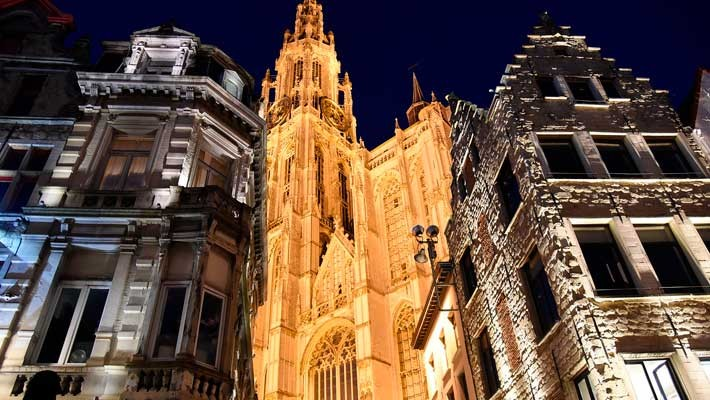 antwerp-night-free-walking-tour-1