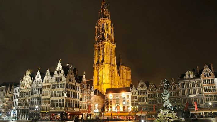 antwerp-night-free-walking-tour-5