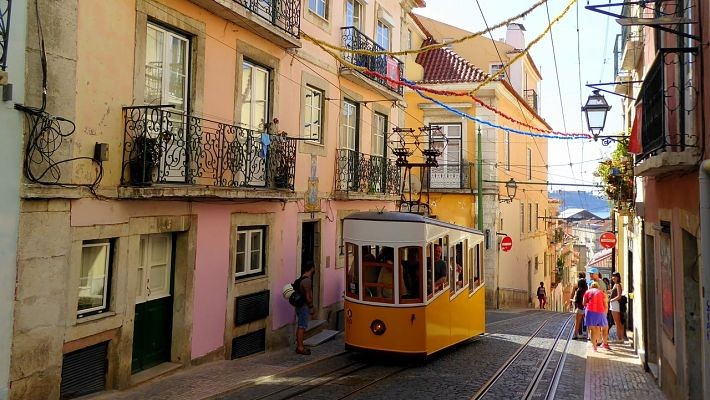bohemian-lisbon-free-walking-tour-3