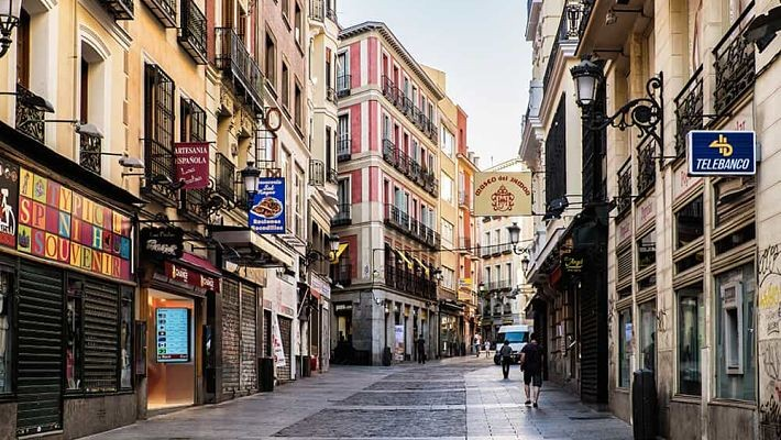 hundred-year-old-shops-in-madrid-free-walking-tour-1