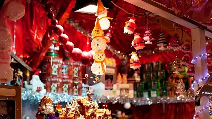 patios-of-cordoba-tour-christmas-3