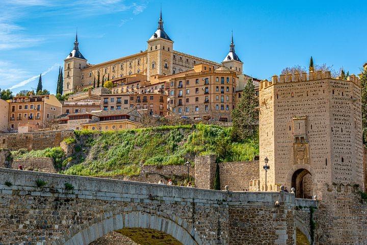 Alcazar de Toledo.jpg