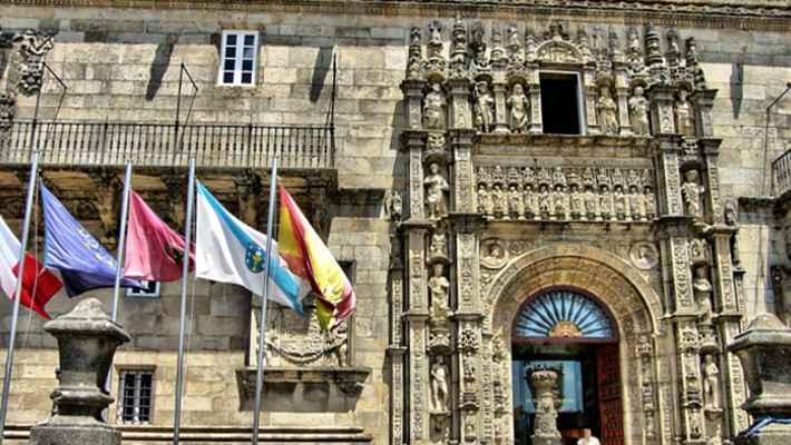 hostal-de-los-reyes-catolicos-tour-4