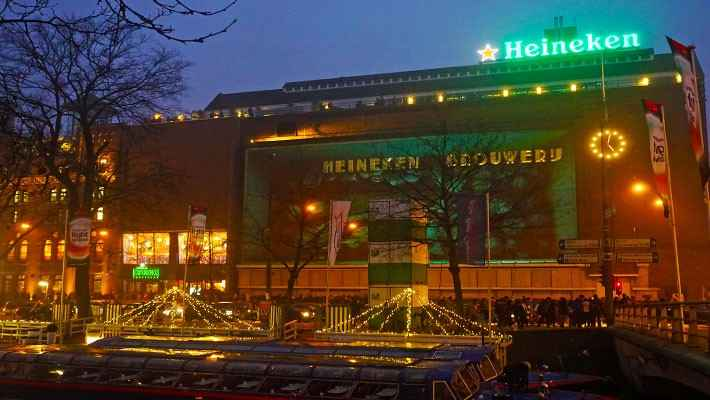 amsterdam-red-light-district-tour-heineken-experience-3