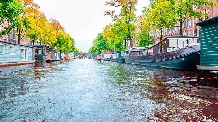 amsterdam-red-light-district-tour-and-boat-trip-5