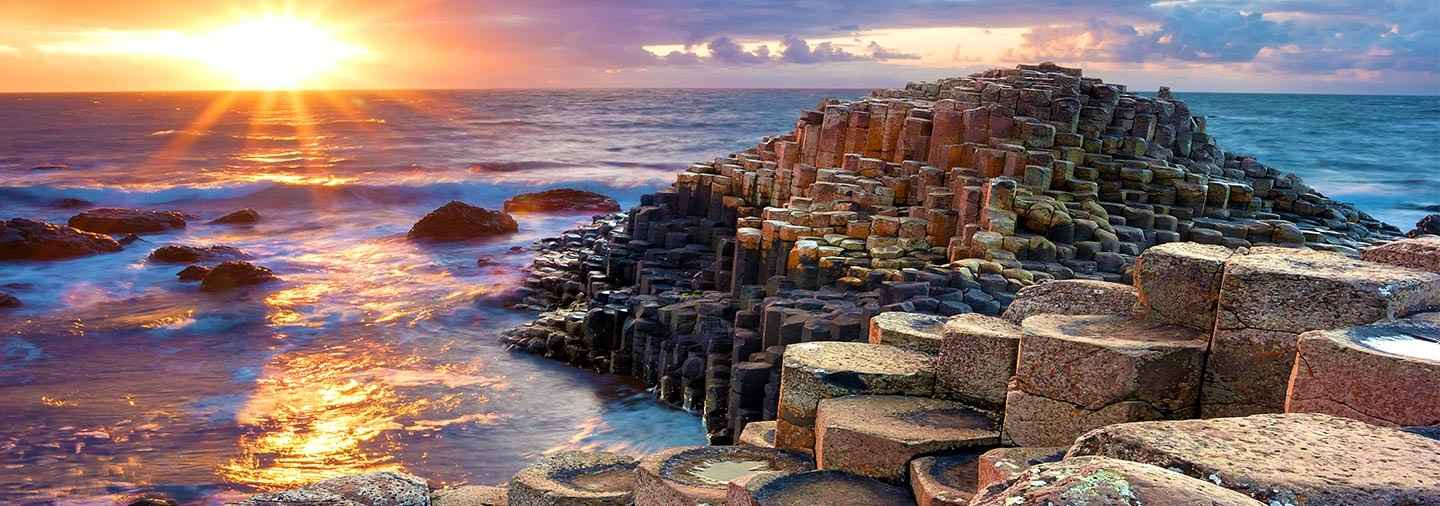 Giant's Causeway and Belfast Day Trip