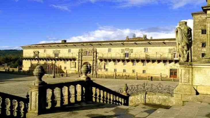 tour-hostal-de-los-reyes-catolicos-3