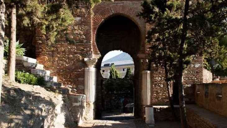 free-tour-alcazaba-de-malaga-y-teatro-romano-1