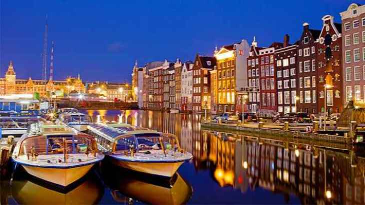 amsterdam-red-light-district-tour-and-boat-trip-2