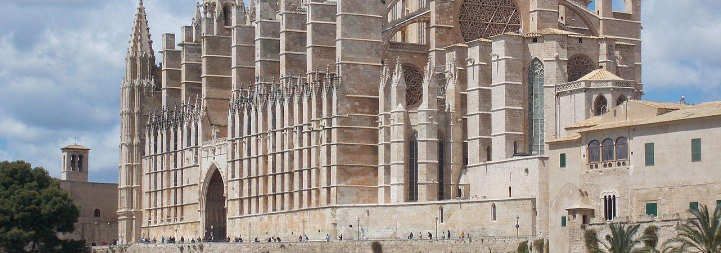 Cathedral of Palma de Mallorca Tour with Tickets