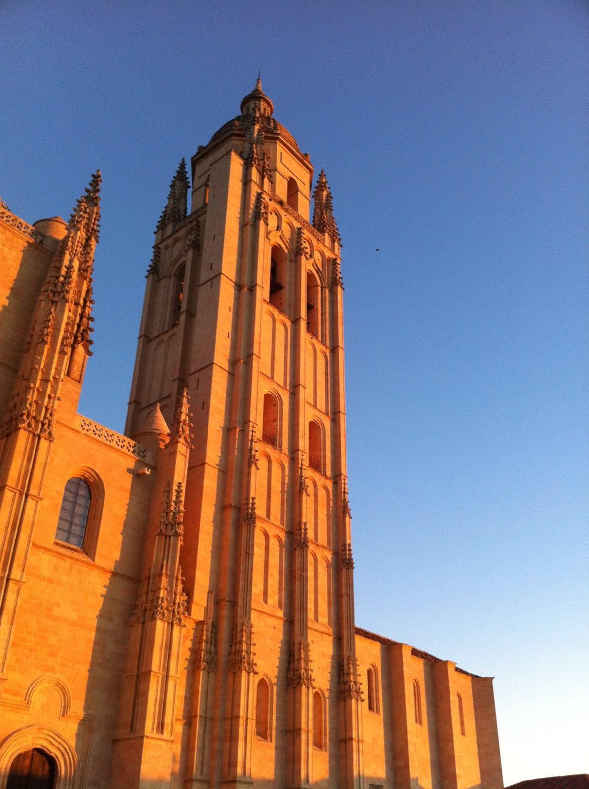 Free-Tour-Catedral-y-Alcazar-de-Segovia-1