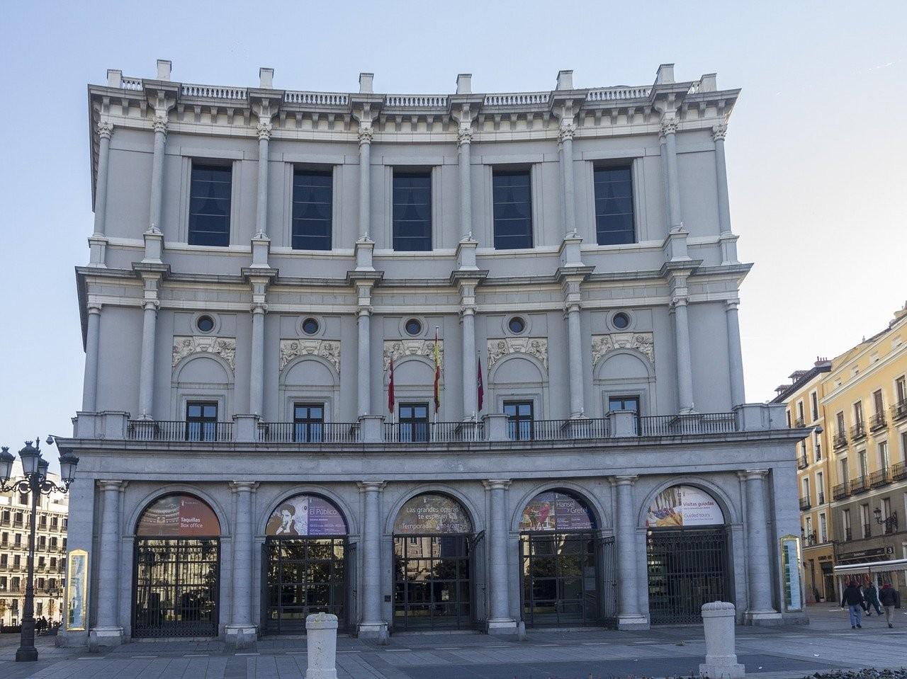 teatro Madrid.jpg
