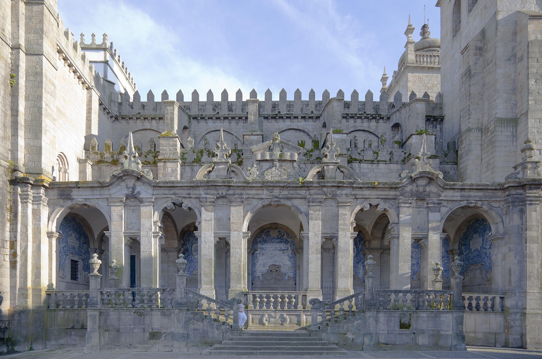 Catedral_de_Oporto.jpg