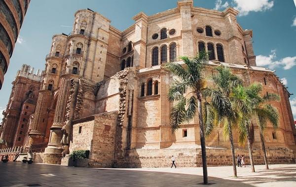 tours-gratis-yoorney-blog-guia-de-viaje-malaga-catedral.jpg