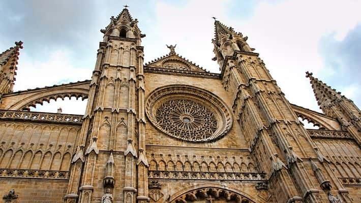 visita-guiada-por-la-catedral-de-mallorca-con-entradas-2