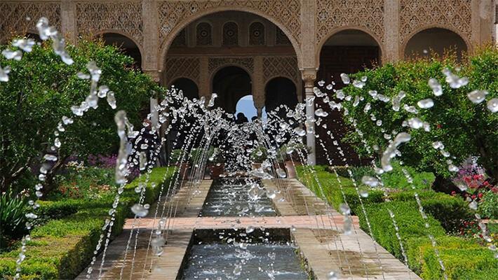 alhambra-of-granada-nasrid-palaces-generalife-tour-2
