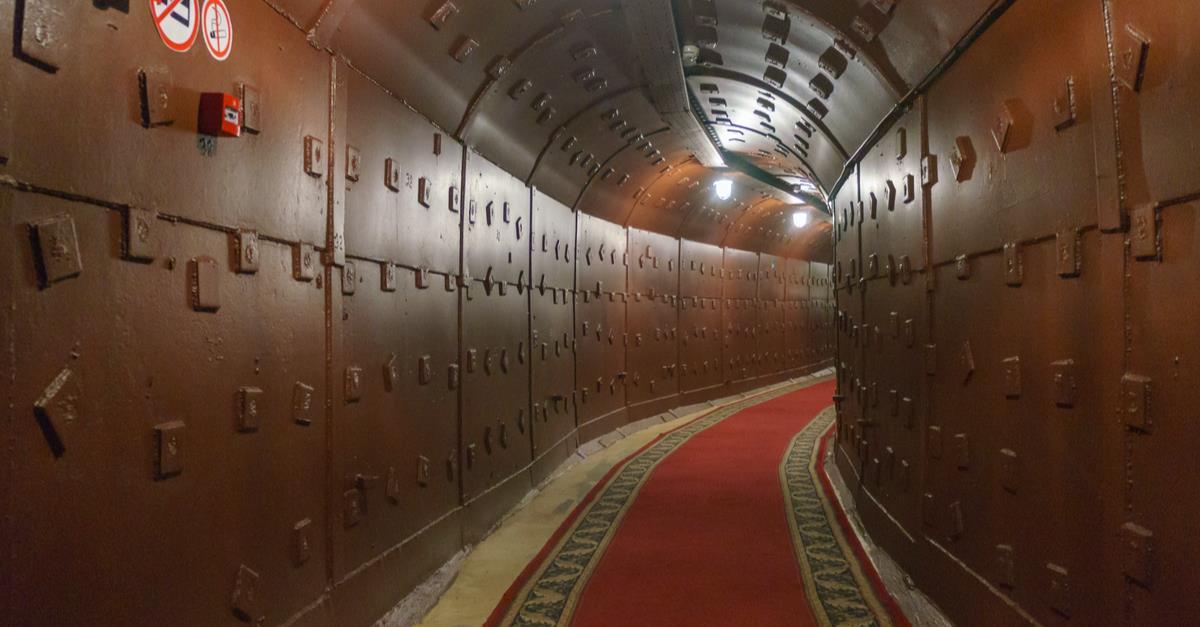 Visita-Guiada-por-el-Bunker-de-la-Guerra-Fria-3