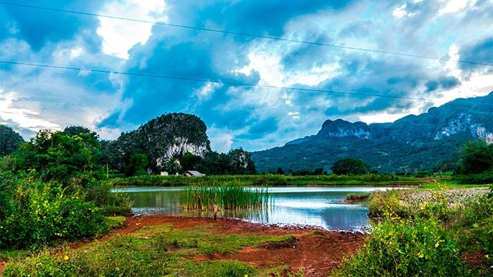 horseback-riding-in-the-vinales-valley-1