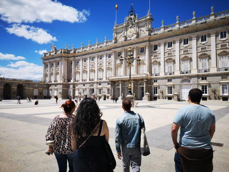 Tour-of-the-Royal-Palace-of-Madrid-without-queue-6