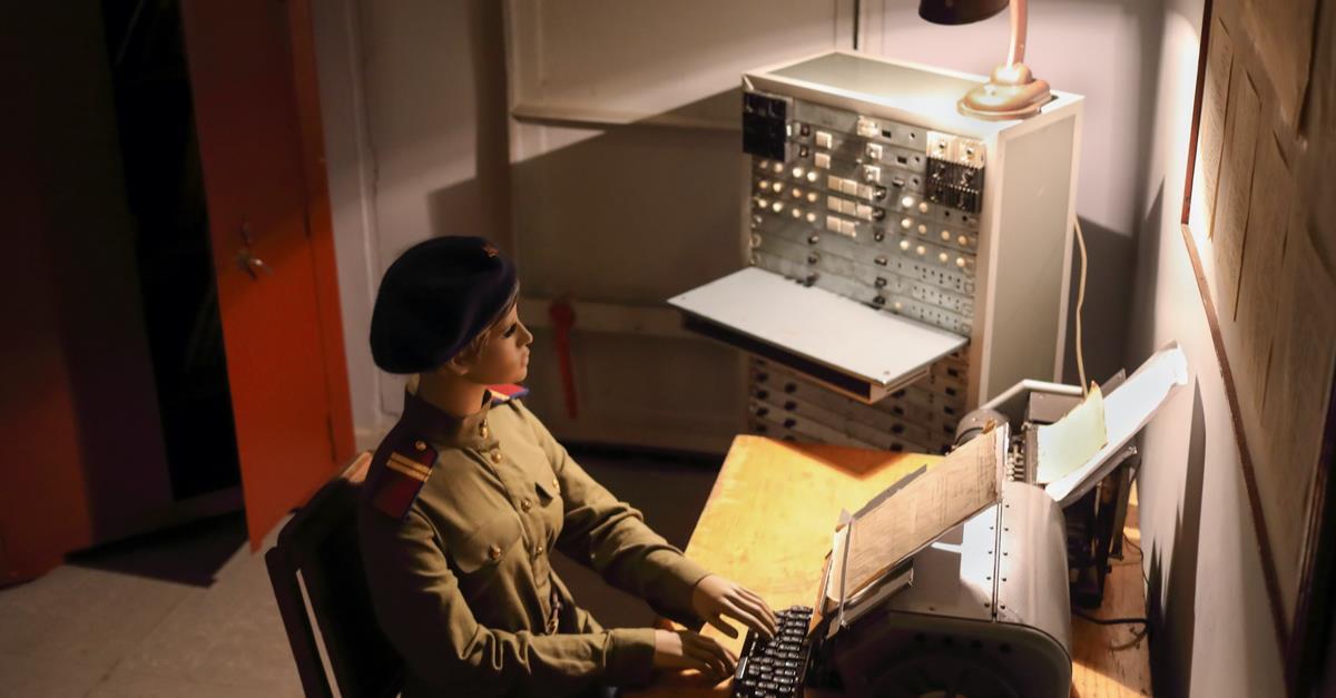 Visita-Guiada-por-el-Bunker-de-la-Guerra-Fria-1