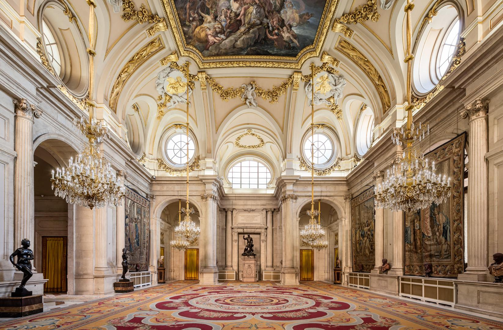Tour-of-the-Royal-Palace-of-Madrid-without-queue-5