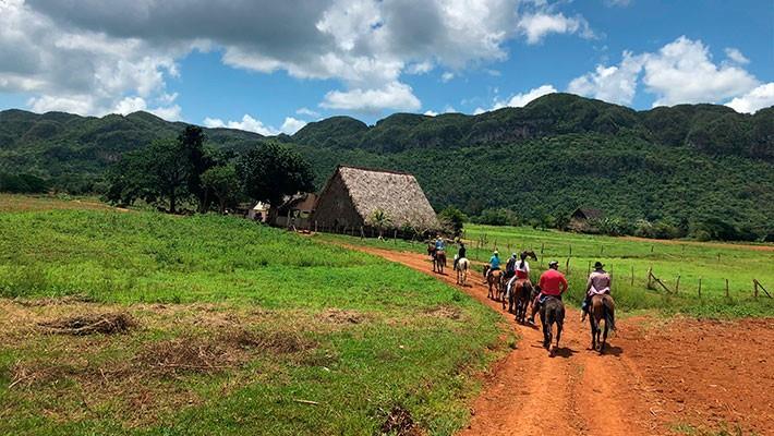 excursion-a-caballo-por-vinales-3