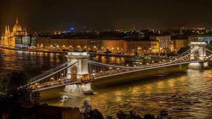 budapest-by-night-tour-4