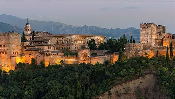 granada-by-night-tour-1