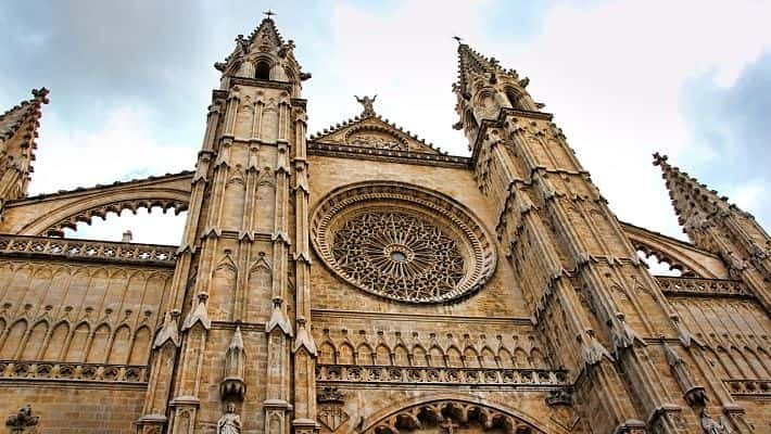 cathedral-of-palma-de-mallorca-tour-with-tickets-2