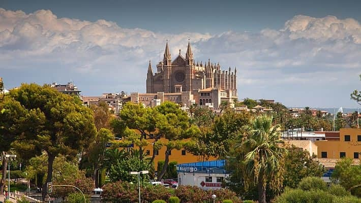 cathedral-of-palma-de-mallorca-tour-with-tickets-4