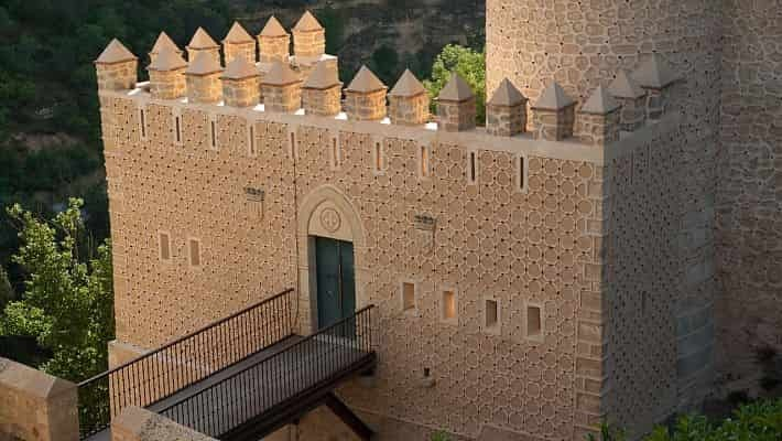 the-alcazar-of-segovia-tour-with-tickets-2