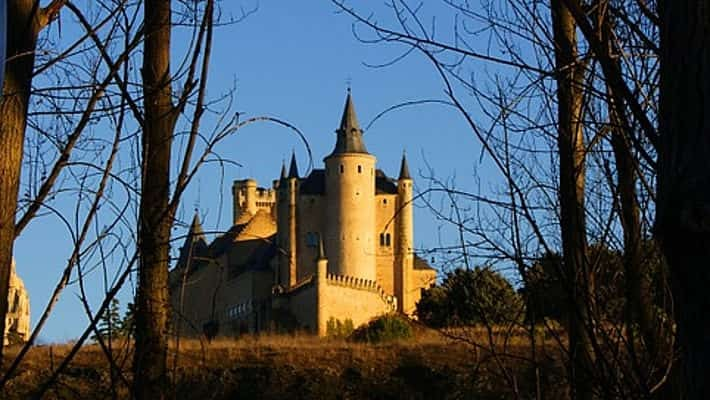 the-alcazar-of-segovia-tour-with-tickets-3