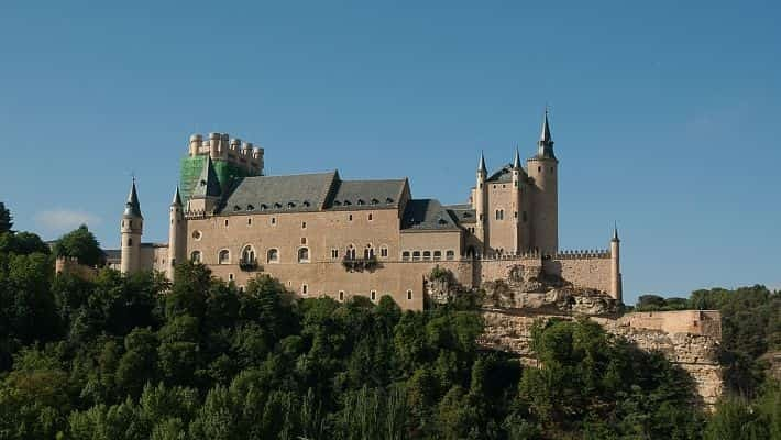 the-alcazar-of-segovia-tour-with-tickets-5