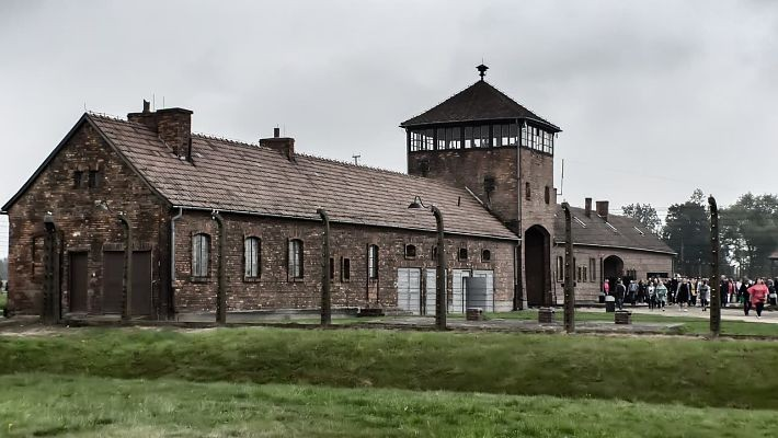 auschwitz-birkenau-day-trip-from-krakow-3