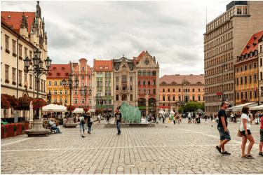 2 La plaza del mercado (Rynek).png