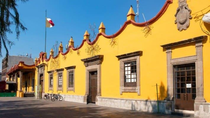 frida-kahlo-in-coyoacan-free-walking-tour-2