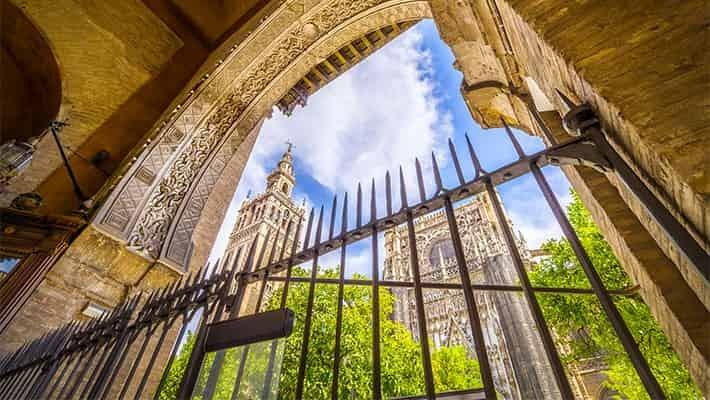 cathedral-of-seville-tour-with-tickets-2