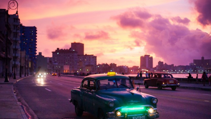 havana-by-night-free-walking-tour-2