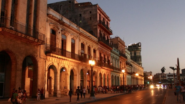 havana-by-night-free-walking-tour-4